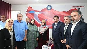 Bakan Selçuk, Bursa'da Şehit Aileleri ile Bayramlaştı
