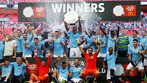 İngiltere'de İlk Kupa Manchester City'nin Oldu