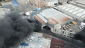 İstanbul'da sanayi sitesinde yangın! Kimyasal alarmı