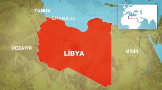 Libya'da şiddetli çatışmalar! Havalimanına roket atıldı...