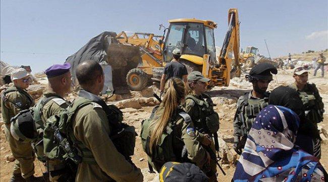 İsrail Batı Şeria'da iki aileyi daha evsiz bıraktı