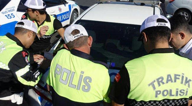 Trafik polisi drone ile ceza kesti