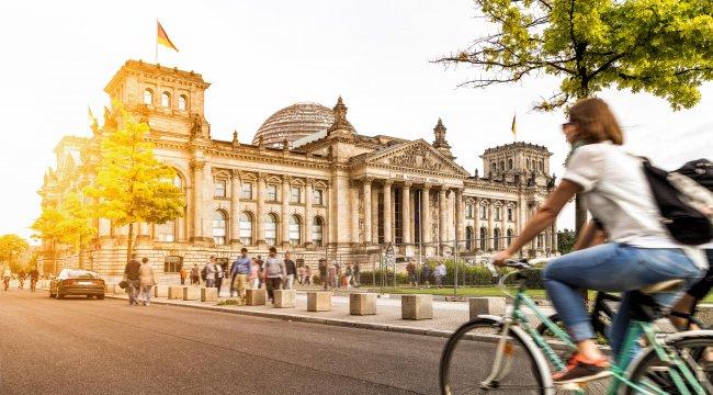 Almanya'nın bütçe fazlası 2019'da azalacak