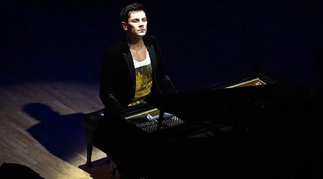 Dünyanın en hızlı piyanisti İstanbul CRR'de fırtınalar estirdi