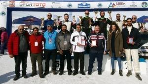 Sarıkamış'ta Hakkı Ağaoğlu-Erkan Güleren ekibinin birinciliği ile sona erdi.