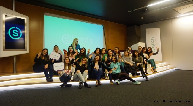 Signify'dan Dünya Emekçi Kadınlar Günü'nde Anlamlı Buluşma