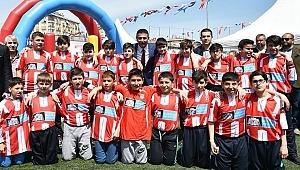 23 Nisan Ulusal Egemenlik ve Çocuk Bayramı Beşiktaş'ta düzenlenen etkinlikle kutlandı