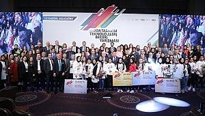 Moda Tasarım Teknolojileri Beceri Yarışmasında Genç Yeteneklere Ödülleri Verildi