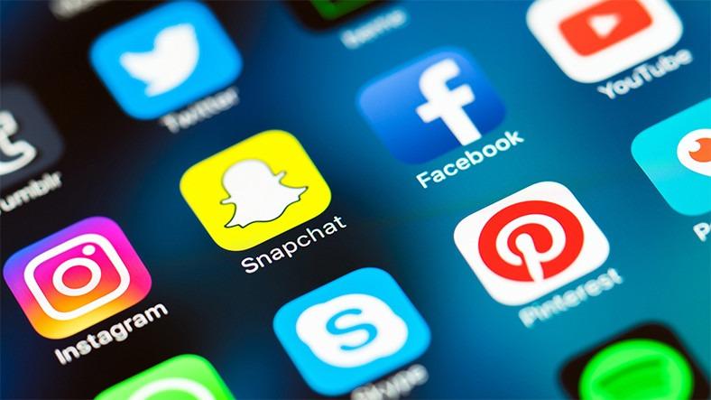 Sosyal medyada uzun zaman geçirmek depresyonu arttırıyor