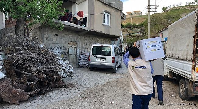 Sadakataşı Türkiye Ramazan yardımlarını sürdürüyor