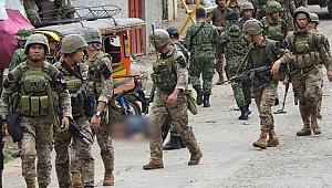 Filipinler'de askeri kampa saldırı: Çok sayıda ölü