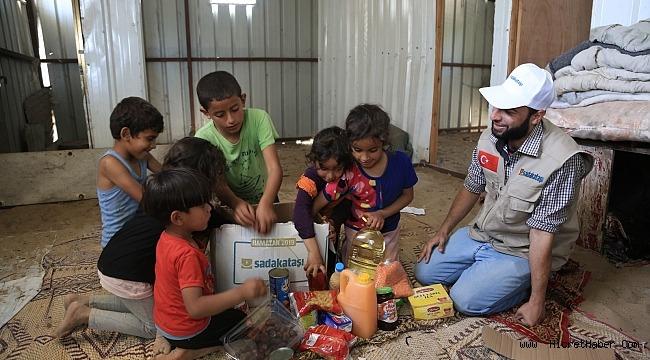 Sadakataşı'ndan Mescid-i Aksa avlusunda 26 bin kişiye iftar