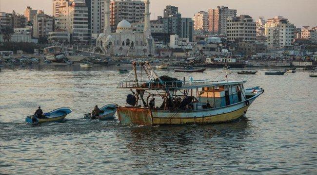İsrail güçleri iki Filistinli balıkçıyı gözaltına aldı