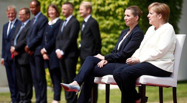 Merkel'e sandalyeli önlem