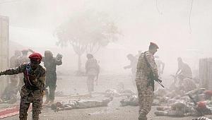 Aden'de askeri geçit töreninde çifte saldırı