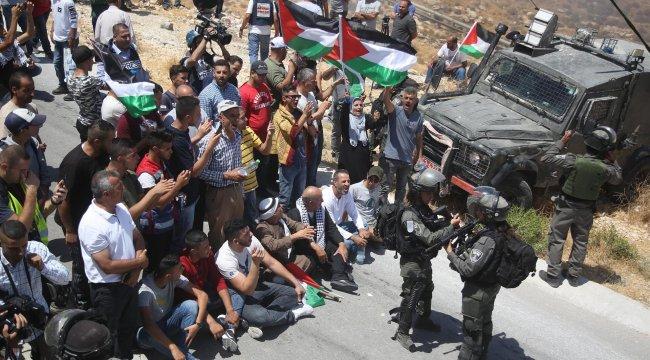 Batı Şeria'da İsrail askerlerinin yaraladığı Filistinli şehit oldu