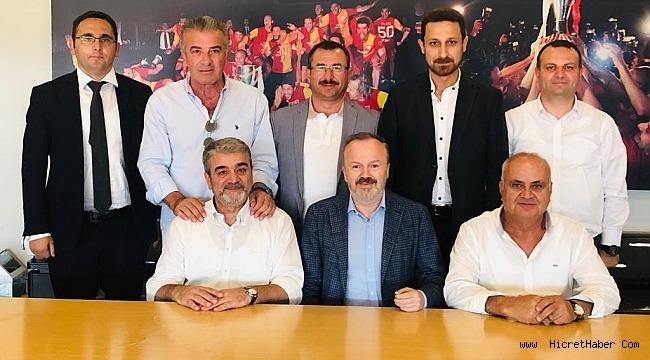 Galatasaray'dan İstanbul Sinop Spor'a Tam Destek