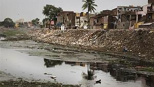 Hindistan'da yağışlar nedeniyle 282 kişi hayatını kaybetti