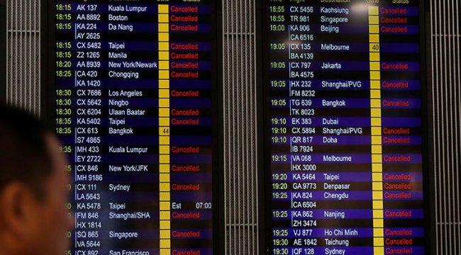 Hong Kong Uluslararası Havalimanı'nda uçuşlar iptal edildi