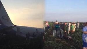 Rusya'da uçak martı sürüsüne çarptı, yolcular yaralandı