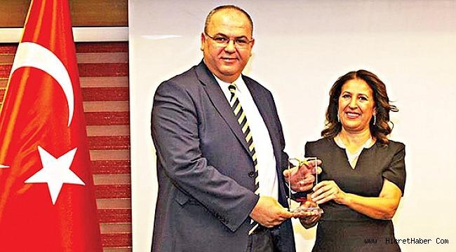 Eminevim, sektöre yaptığı katkılarla yılın en başarılı firması seçildi.