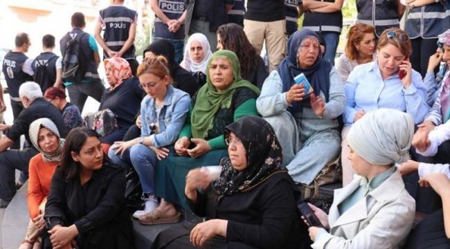 HAK-İŞ ve TYB'den Diyarbakır Annelerine Destek Açıklaması