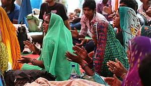 Hindistan'da gaz çıkarma yarışması