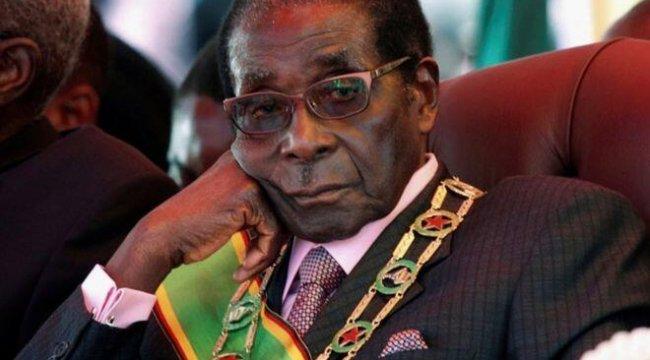 Zimbabve eski Devlet Başkanı Robert Mugabe 95 yaşında hayatını kaybetti