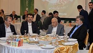 Emin Üstün ve Nur talebeleri ile iftarda bir araya geldi.