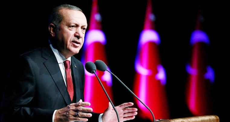 Erdoğan'ın oyu yüzde 53'ün üzerinde çıkıyor.