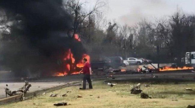 ABD'de küçük uçak düştü: 5 ölü, 3 yaralı