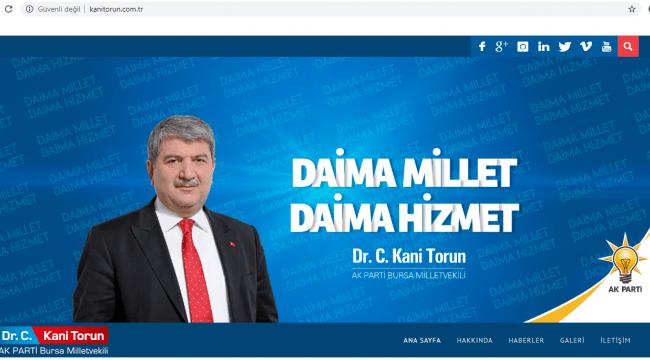 Davutoğlu'nun yanındaki isim AK Parti'den kopamadı