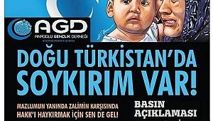 Küçükçekmece Anadolu Gençlik Derneği (AGD) şubesi; Doğu Türkistan yalnız değildir.