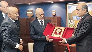Libyalı isyancılar Türkiye'ye karşı Rumlara gitti