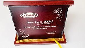 Türkiye Engelliler Vakfı'ndan Taner Akkuş'a Teşekkür Plaketi