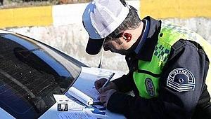 Yeni yılda trafik cezaları zamlı uygulanacak.