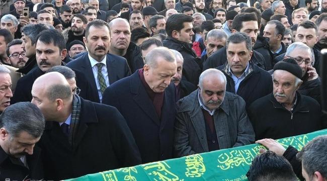 Cumhurbaşkanı Erdoğan depremde hayatını kaybedenlerin cenaze namazına katıldı