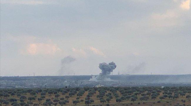 Rus savaş uçakları, İdlib'de 18 sivil yerleşime hava saldırısı düzenliyor