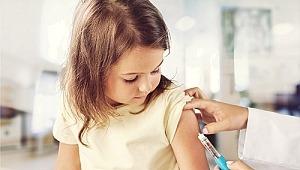 """AHEF 15 yıldır """"aşı""""nın önemine dikkat çekiyor!"""