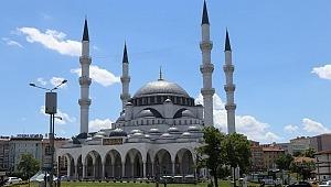 Ankara'da Cuma namazı kılınacak cami ve alanlar belirlendi