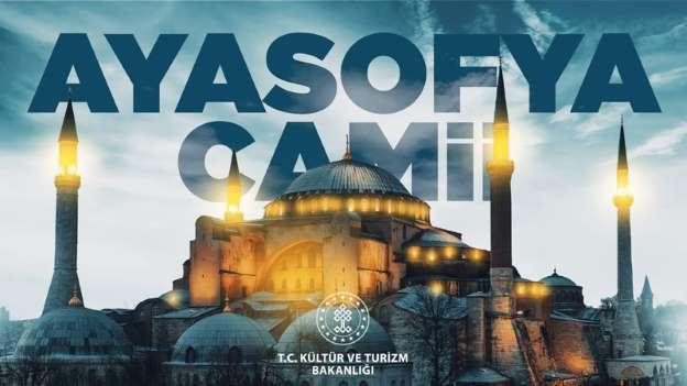 Ayasofya Camii için hazırlıklar da aralıksız sürüyor.