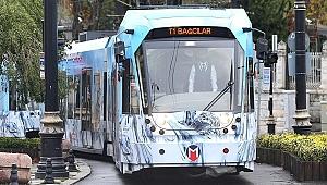 Ayasofya önü doldu; tramvay seferleri durduruldu