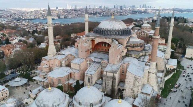 Ayasofya tartışması: Rus Ortodoks Kilisesi Ayasofya'nın camiye dönüştürülmesi fikrini 'Orta Çağ'a dönüş' olarak tanımladı