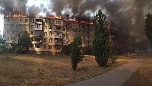 Eşiyle tartışan adam binayı ateşe verdi!