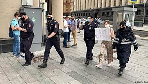 """Eski Rus gazeteciye """"vatan hainliği"""" suçlaması"""