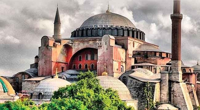 Fatih Sultan Mehmet'in emaneti Ayasofya'ya sahip çıkıldı