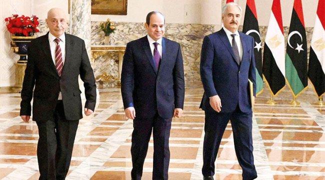 Hafter köşeye sıkıştı, Sisi'yi çağırdı