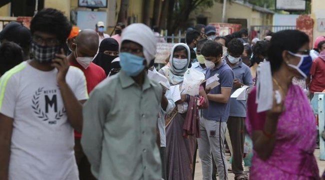 Hindistan'da artan koronavirüs vaka sayıları karantina kararı getirdi