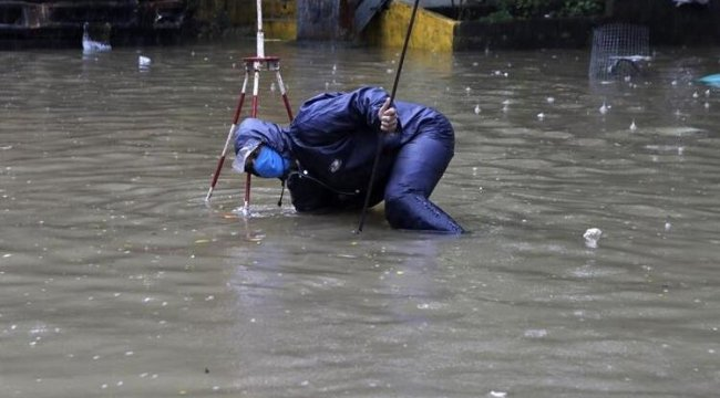 Hindistan'da şiddetli muson yağışları: 50 ölü