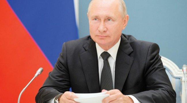Putin yeni anayasayı savundu